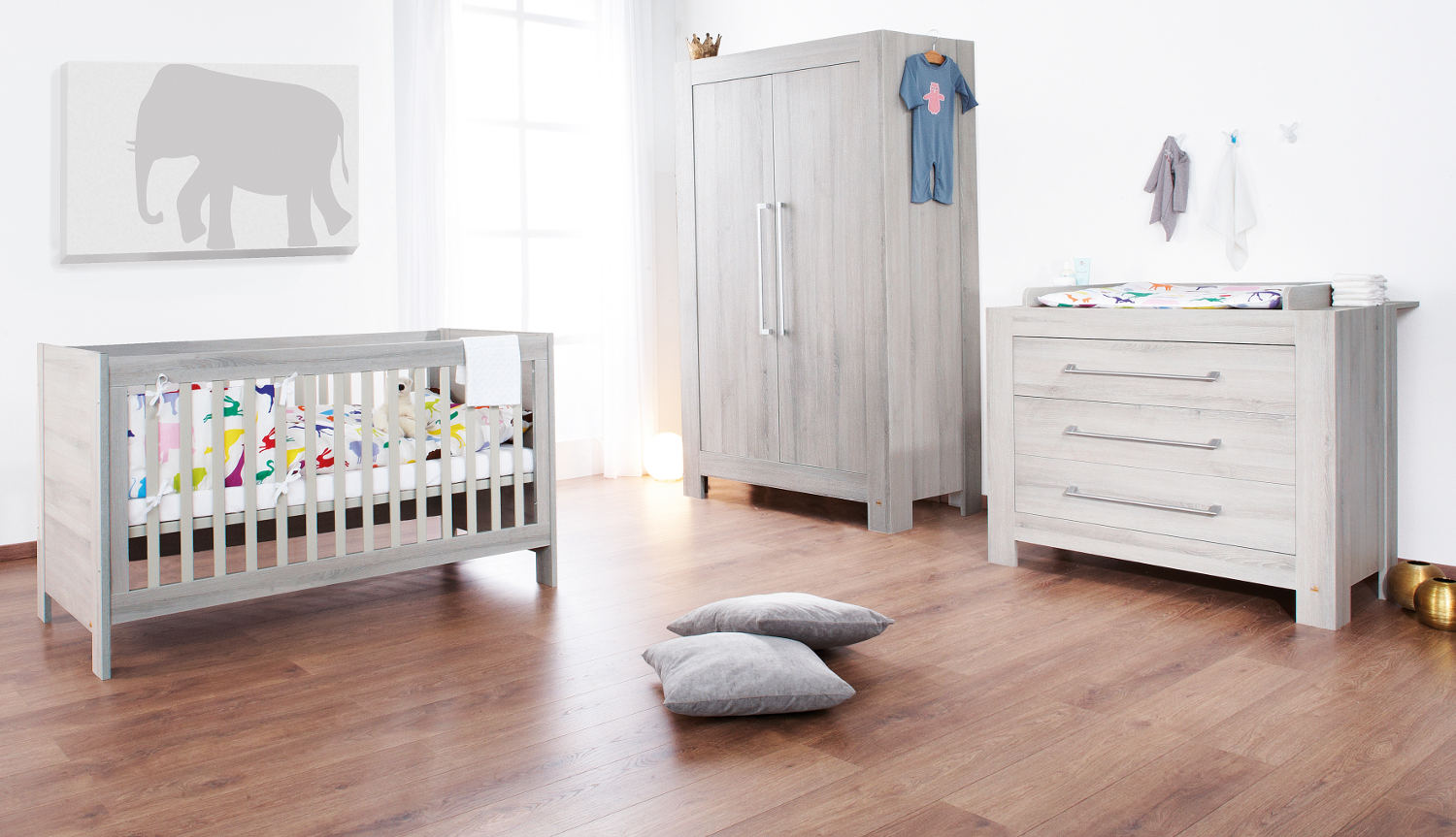 Comment d corer la chambre de b b le monde de l a for Photo de chambre de bebe fille